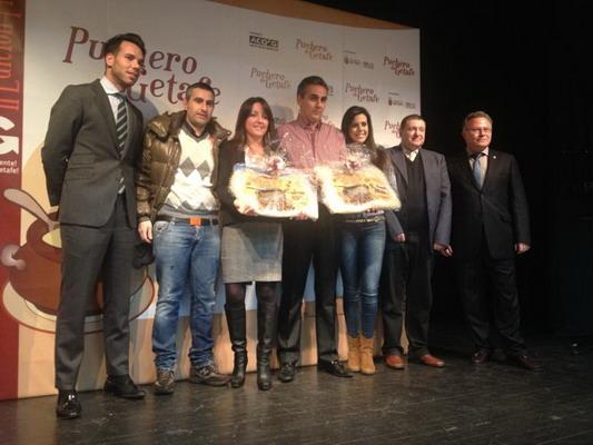 Foto final del acto de entrega de la II edición de 'Premios Puchero'