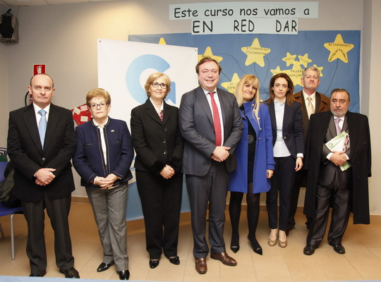 Juan Soler y Florentina Generoso, junto a las concejalas Teresa Rodríguez y Teresa Martín, y miembros de la asociación Lex Certa