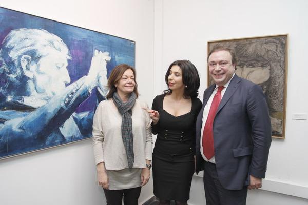La directora general de Bellas Artes, del Libro y de Archivos Isabel Rosell y la directora de la Fundación Antonio Gades, junto al alcalde, Juan Soler