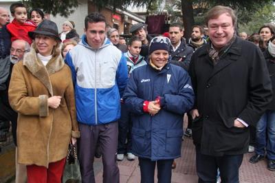Juan Soler y Carmen Plata con Mohamed y Yesenia