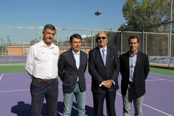 Carlos Rodríguez, director técnico de Avantage junto a Ignacio González, Miguel Díaz y Salvador Victoria