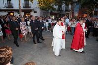 Juan Soler y miembros de ña Corporación municipal participando en la procesión