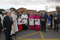 Juan Soler y miembros de la Corporación municipal junto al obispo de Getafe, Joaquín María López de Andújar