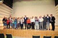 Juan Soler y miembros del Gobierno municipal en el auditorio del nuevo Centro Cultural Julián Marías.