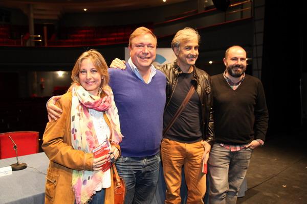 De izquierda a derecha, la actriz Natalia Dicenta, el alcalde Juan Soler, el actor Alberto Vázquez y el concejal de Cultura, Pablo Martínez.