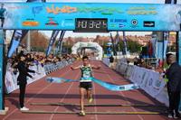 Llegada a la meta del vencedor en categoría masculina